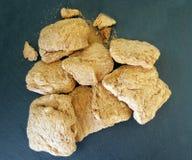 Carne de la soja en tablero oscuro Imagenes de archivo