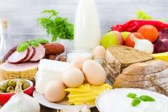 Carne de las frutas de las verduras de la lechería de los productos del ultramarinos foto de archivo libre de regalías