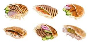 Carne de los alimentos de preparación rápida con las verduras en pita Imágenes de archivo libres de regalías