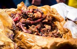 Carne de porco cozinhada fresca em um mercado imagens de stock royalty free