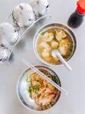 Carne de porco do macarronete e água das bolinhas de massa Fotografia de Stock Royalty Free