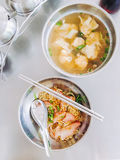 Carne de porco do macarronete e água das bolinhas de massa Fotos de Stock Royalty Free