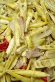 Carne de porco fritada com tiros de bambu Imagem de Stock