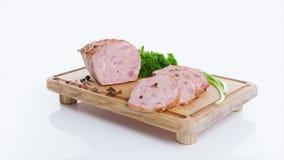 Carne de porco fumado deliciosa com manjericão filme