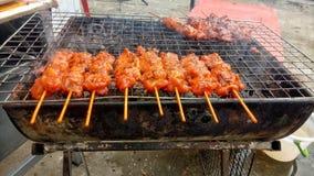 Carne de porco grelhada no fogão fotos de stock royalty free