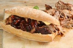 Carne de porco puxada com molho de assado Imagem de Stock