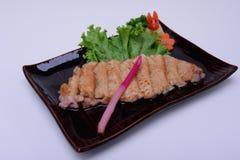 Carne de porco Teriyaki isolado no fundo branco Imagens de Stock