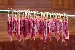 A carne de porco vermelha é um grupo da madeira fotografia de stock