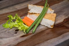 Carne de Turquia com a flor e o broto de soja asiáticos da banana da salada Imagem de Stock Royalty Free