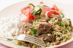 Carne de vaca árabe con la comida del freekeh Imagen de archivo