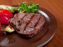 Carne de vaca asada a la parilla - filete Imagen de archivo libre de regalías