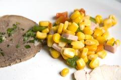 Carne de vaca con maíz Foto de archivo