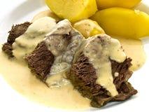 Carne de vaca con rábano picante y patatas Foto de archivo