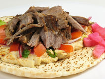 Carne de vaca de Shawarma con Hummus Fotografía de archivo libre de regalías