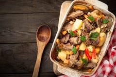 Carne de vaca guisada con la calabaza y las verduras Foto de archivo libre de regalías