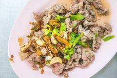 Carne de vaca para el almuerzo determinado de los tallarines Fotografía de archivo libre de regalías
