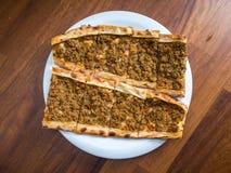 Carne de vaca turca tradicional Pide Imágenes de archivo libres de regalías