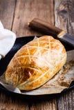Carne de vaca Wellington en la sartén del arrabio, plato clásico del filete foto de archivo libre de regalías