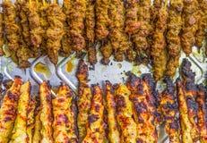 Carne de vaca y pollo Satay Imágenes de archivo libres de regalías
