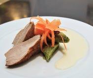 Carne del cordero con la zanahoria Imágenes de archivo libres de regalías