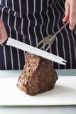 Carne dell'arrosto pronta per intagliare Fotografia Stock Libera da Diritti