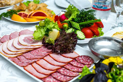 Carne della ghiottoneria sul vassoio del piatto Fotografia Stock