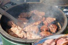 Carne di cervo che è fritta sulla griglia Fotografia Stock Libera da Diritti