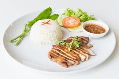 Carne di maiale arrostita con il riso fritto dell'aglio Immagini Stock Libere da Diritti