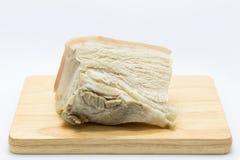 Carne di maiale bollita sul bordo di legno Fotografie Stock Libere da Diritti