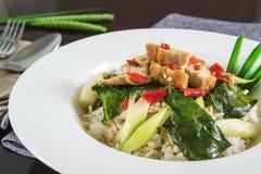 Carne di maiale croccante con l'alimento del cavolo che la gente Tailandia gradisce mangiare Immagini Stock