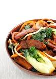 Carne di maiale e frittura di scalpore di cavolo cinese immagine stock libera da diritti