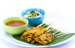 Carne di maiale Satay con la salsa dell'arachide fotografia stock