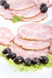 Carne di taglio su una tabella. Fotografia Stock Libera da Diritti
