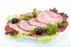 Carne di taglio su una tabella. Immagine Stock