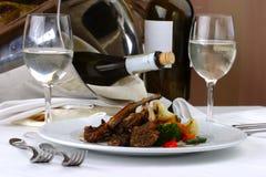 Carne do ajuste da tabela de banquete fotos de stock