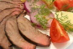 Carne do assado com tomate e batata foto de stock