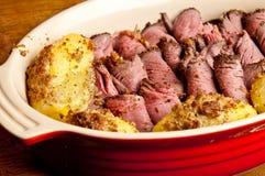 Carne do assado na bandeja Imagem de Stock