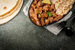Carne do Chile Colorado com arroz imagem de stock