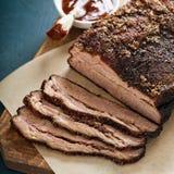 Carne do peito lentamente cozinhada cortada fotos de stock royalty free