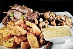 Carne e batatas Fotografia de Stock Royalty Free