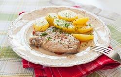 Carne e batatas fervidas fotografia de stock