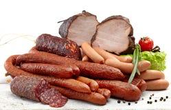 Carne e salame affumicati delle salsiccie Immagini Stock