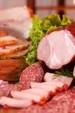 Carne e salsiccia affumicate Immagini Stock Libere da Diritti