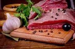 Carne e spezia grezze Fotografia Stock Libera da Diritti