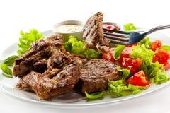 Carne e vegetais grelhados Imagem de Stock Royalty Free