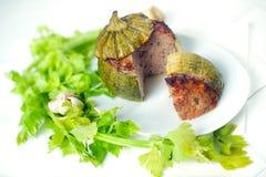 Carne farcita intorno allo zucchini Fotografie Stock