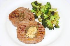 Carne fresca con bróculi Fotos de archivo libres de regalías