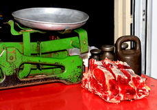 Carne fresca no mercado Foto de Stock