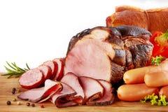 Carne fumado e salsichas imagem de stock