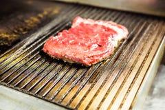 Carne grelhada Bife suculento da carne - focuse macio imagem de stock royalty free